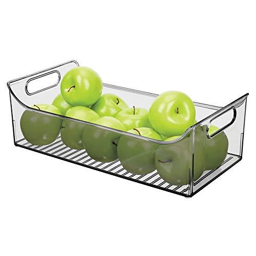 mDesign Caja para nevera con asas – Organizador de frigorífico largo para almacenar alimentos – Contenedor transparente de plástico para cocina o nevera – gris humo